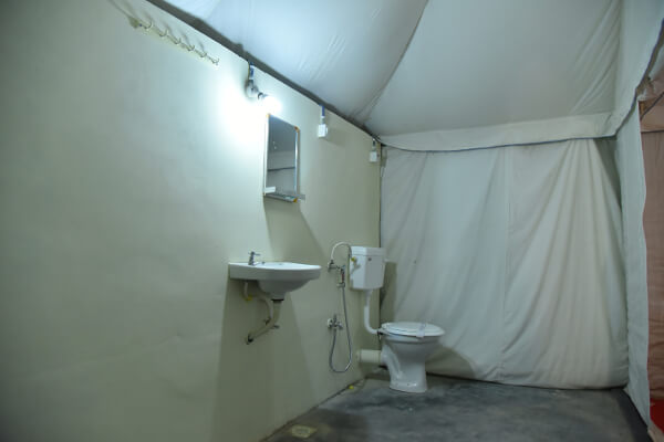 Deluxe Tent Fully Equipped Bathroom